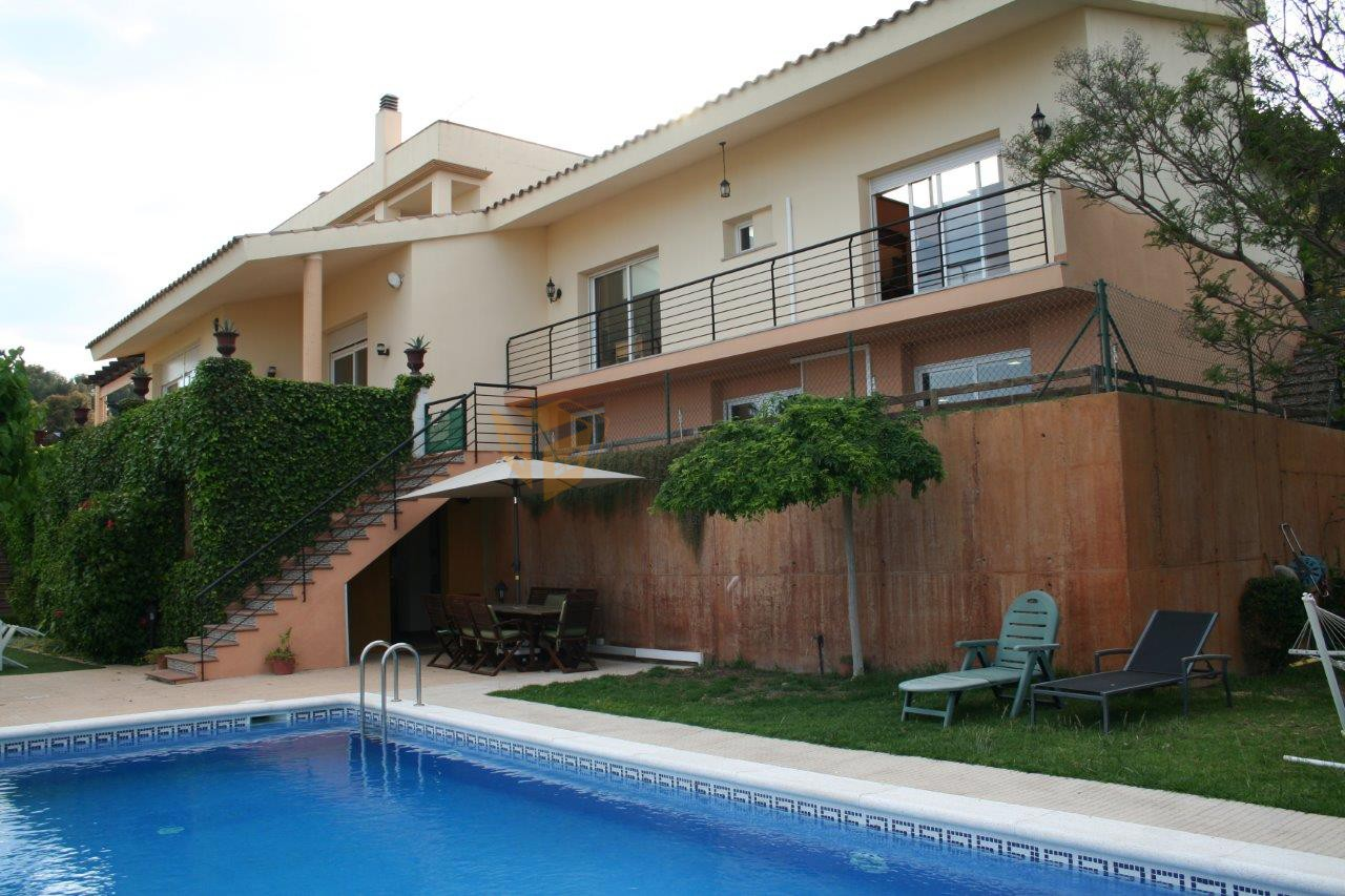 Gran casa en Santa Susanna. Amplias vistas al mar | Great house in Santa Susanna. Wide sea views
