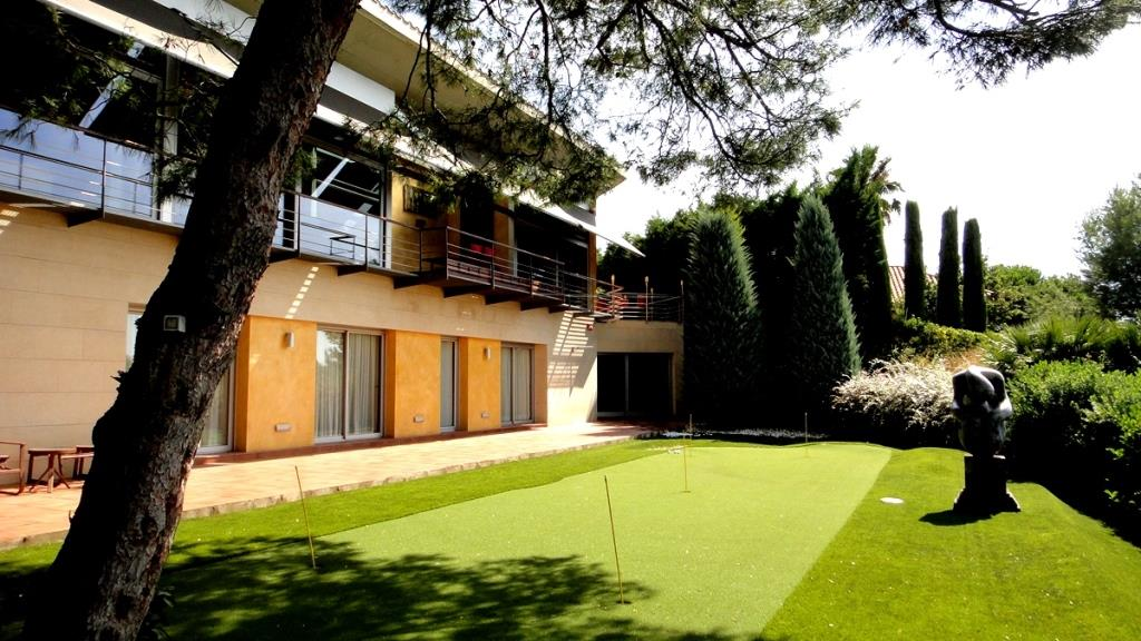 Casa en Sant Andreu de Llavaneres. Bonitas vistas al mar y al bosque | House in Sant Andreu de Llavaneres. Beautiful views of the sea and the forest